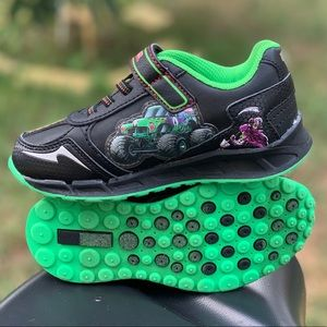 Monster Jam Grave Digger Toddler Boy Light Up Shoe